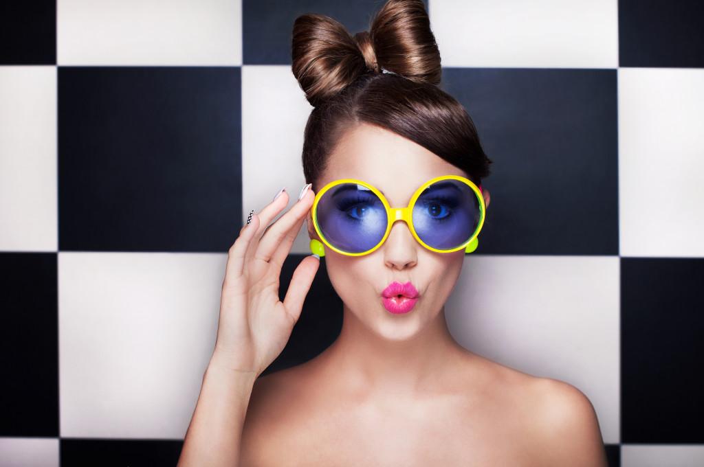 Trucs Maquillage pour des Yeux Brillants Derrière vos Lunettes